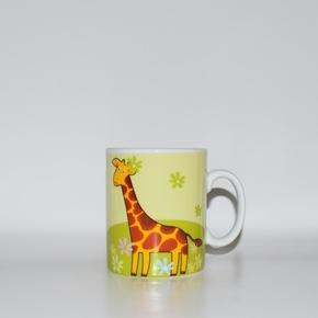 Kindertasse mit Giraffenmotiv